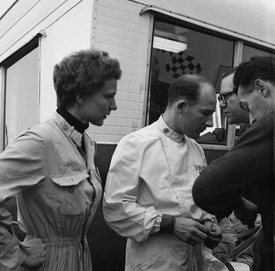 McCluggage became friends with Moss, a winner of 16 Formula 1 races.